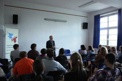 Dr. Pelka von der Europäische Akademie